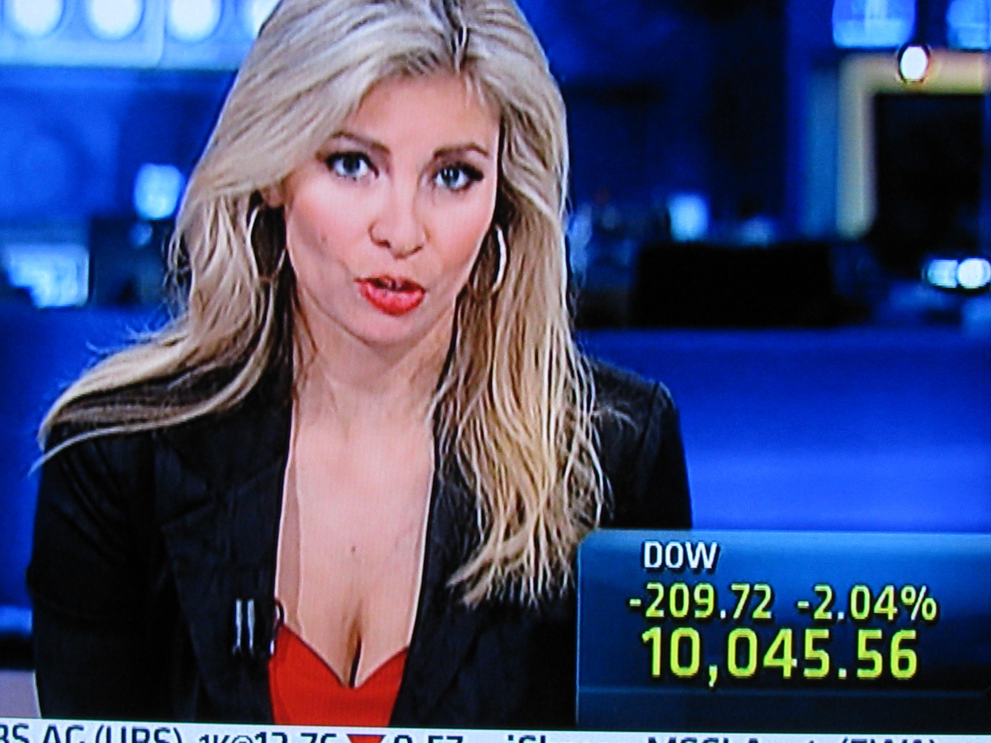 CNBC Mandy Drury Cleavage